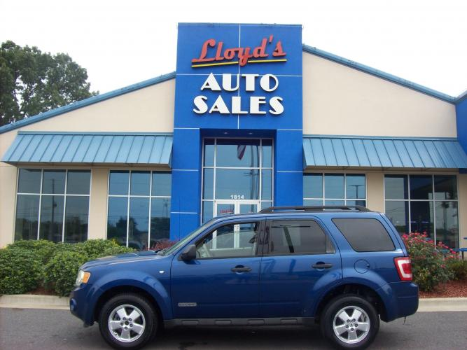 2008 Blue /Tan / Cloth Ford Escape XLT 2WD V6 (1FMCU031X8K) with an 3.0L V6 DOHC 24V engine, 4-Speed Automatic Overdrive transmission, located at 1814 Albert Pike Road, Hot Springs, AR, 71913, (501) 623-1717, 34.494591, -93.094971 - Photo #0
