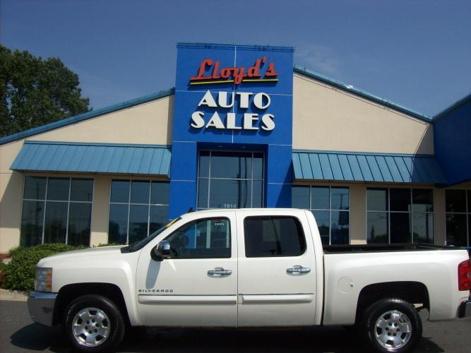 2012 WHITE /Tan/Cloth Chevrolet Silverado 1500 LT Crew Cab 2WD (3GCPCSE08CG) with an 5.3L V8 OHV 16V FFV engine, 6-Speed Automatic transmission, located at 1814 Albert Pike Road, Hot Springs, AR, 71913, (501) 623-1717, 34.494591, -93.094971 - Photo #0